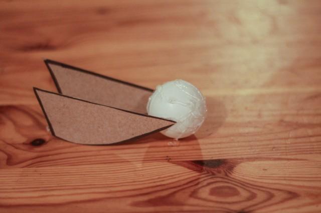 golden-snitch-ornament-diy-harry-potter-craft (10)