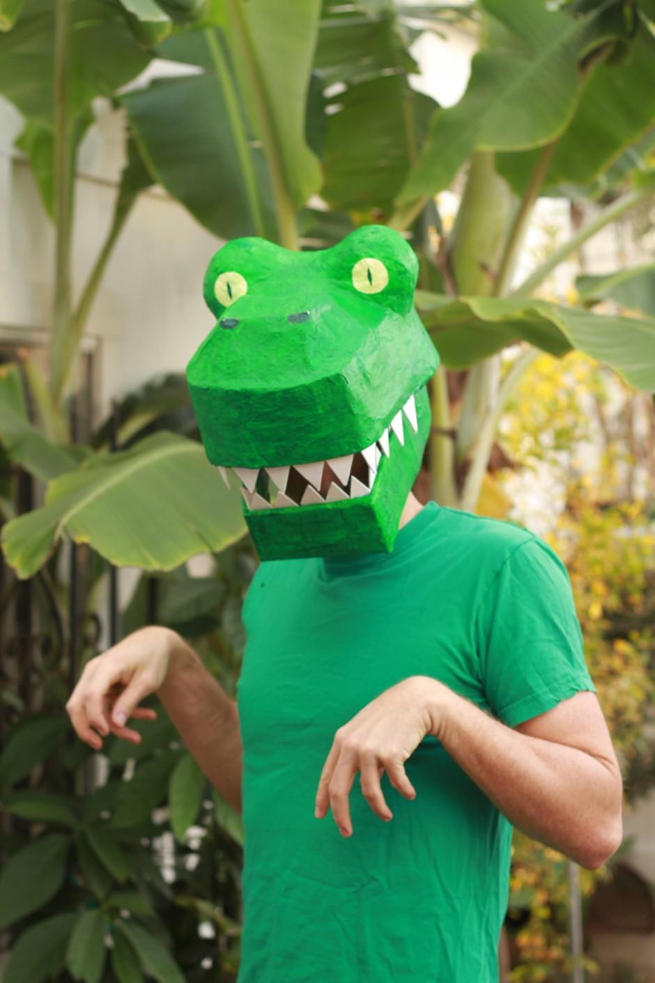 Papier Mache Dinosaur Mask DIY: T-rex costume
