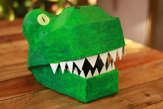 Paper Mache Dinosaur Mask : DIY dinosaur costume