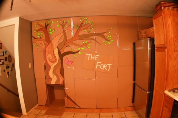 Neon cardboard epic fort forrest! Plus, kooky body paint fun with highlighters.