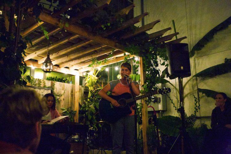 backyard concert with lisa haagen and lakin