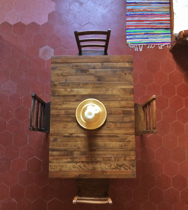 DIY Bed Slat Table : Upcycle projects
