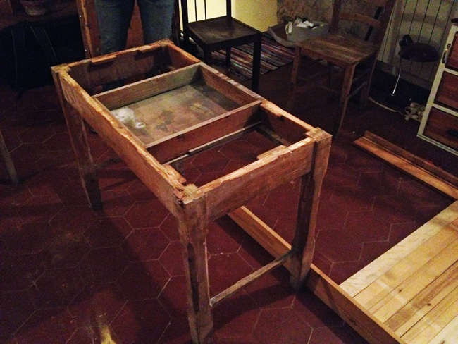 how to turn a bed into a table