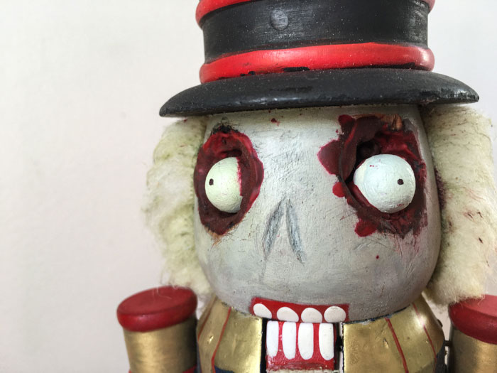 Zombie Nutcracker (Halloween Craft DIY)