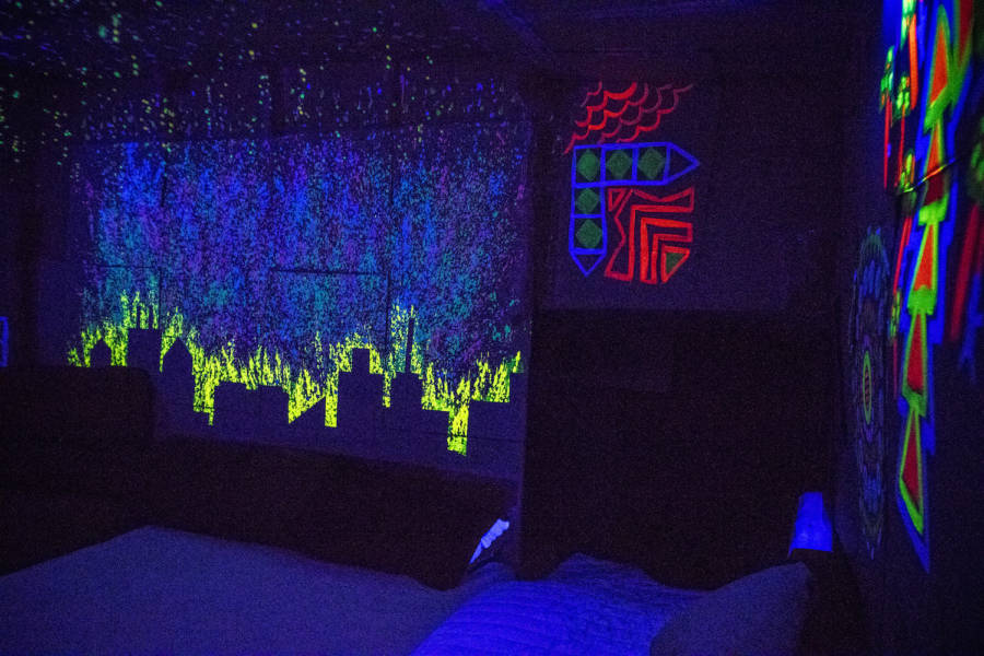 Epic Fort 2017: A crazy cardboard fort full of colors and light